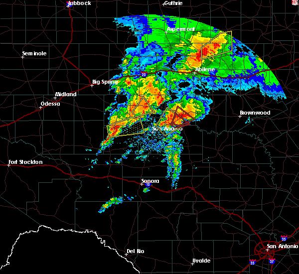 Radar Image for Severe Thunderstorms near Ballinger, TX at 5/18/2019 7:22 AM CDT