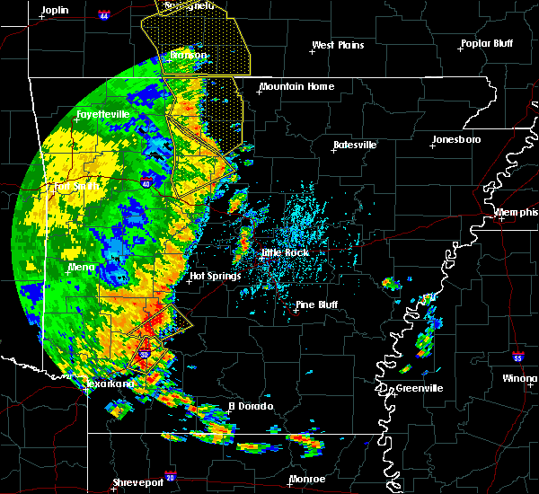 Radar Image for Severe Thunderstorms near Clinton, AR at 5/18/2019 3:54 PM CDT