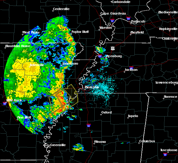 Radar Image for Severe Thunderstorms near Memphis, TN at 5/18/2019 7:30 PM CDT