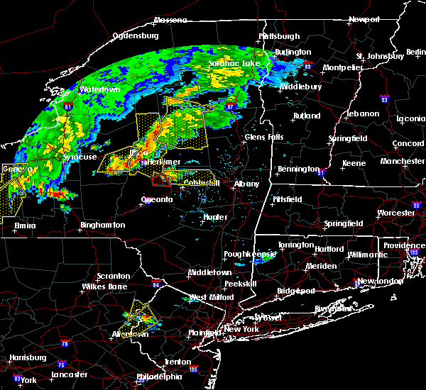 Radar Image for Severe Thunderstorms near Amsterdam, NY at 6/12/2015 6:20 PM EDT