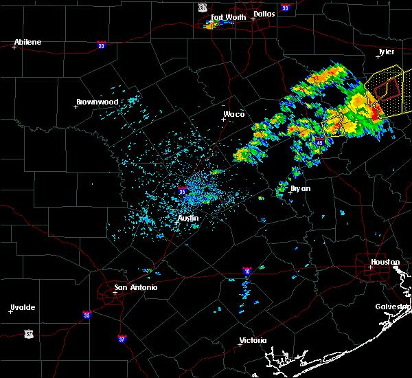 Radar Image for Severe Thunderstorms near Oakwood, TX at 5/18/2019 8:05 PM CDT
