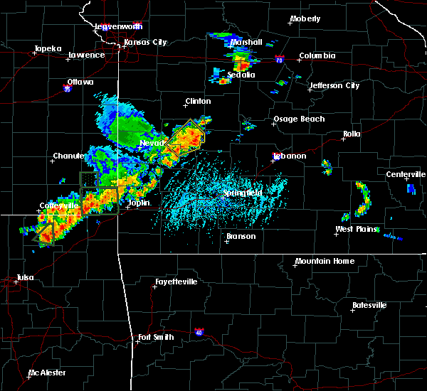 Radar Image for Severe Thunderstorms near Gerster, MO at 6/12/2015 5:26 PM CDT