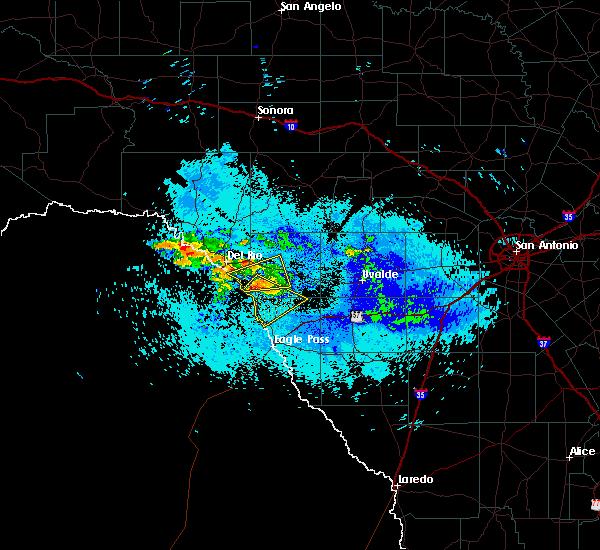 Radar Image for Severe Thunderstorms near Del Rio, TX at 5/19/2019 4:33 AM CDT