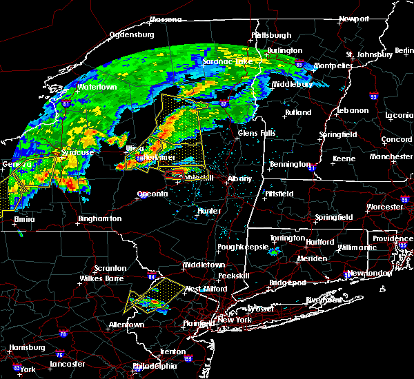 Radar Image for Severe Thunderstorms near Gloversville, NY at 6/12/2015 6:41 PM EDT