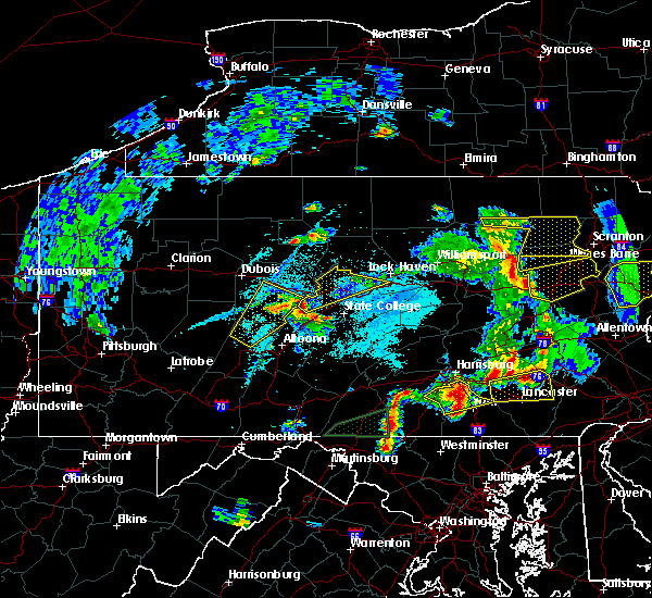 Radar Image for Severe Thunderstorms near Hawk Run, PA at 5/19/2019 7:56 PM EDT