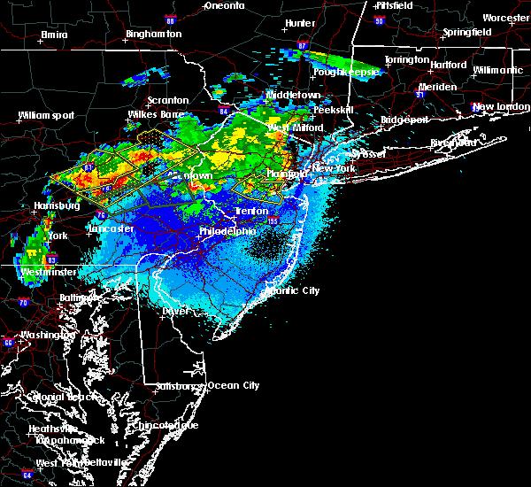 Radar Image for Severe Thunderstorms near Kendall Park, NJ at 5/19/2019 11:08 PM EDT