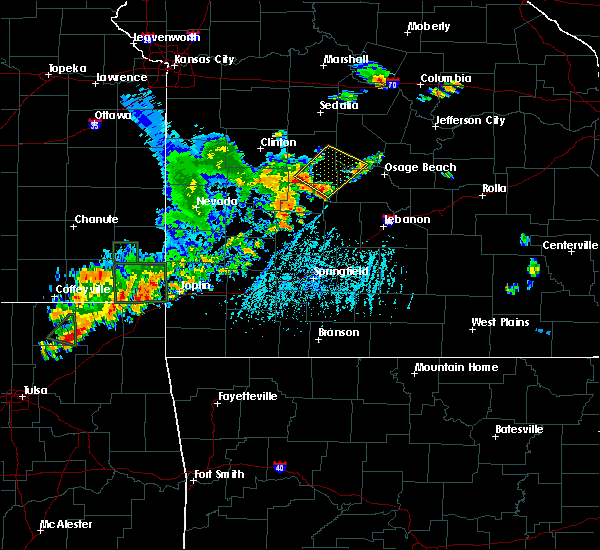 Radar Image for Severe Thunderstorms near Laurie, MO at 6/12/2015 6:10 PM CDT