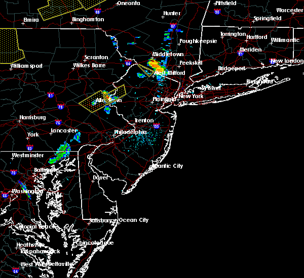 Radar Image for Severe Thunderstorms near Mountain Lake, NJ at 6/12/2015 7:31 PM EDT
