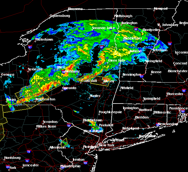 Radar Image for Severe Thunderstorms near Cohoes, NY at 6/12/2015 8:00 PM EDT