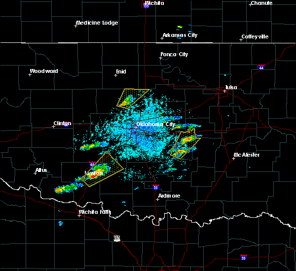 Radar Image for Severe Thunderstorms near Mulhall, OK at 5/22/2019 4:04 PM CDT