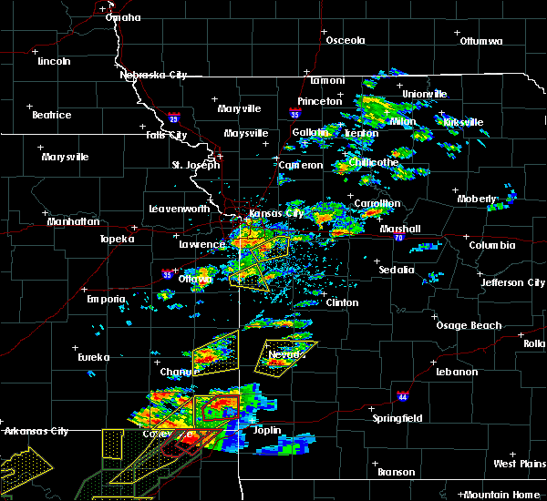 Radar Image for Severe Thunderstorms near Drexel, MO at 5/22/2019 7:08 PM CDT