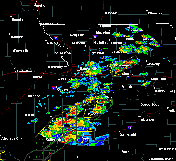Radar Image for Severe Thunderstorms near Appleton City, MO at 5/22/2019 7:29 PM CDT