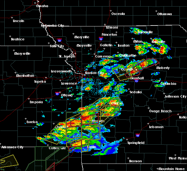 Radar Image for Severe Thunderstorms near Centerview, MO at 5/22/2019 7:46 PM CDT