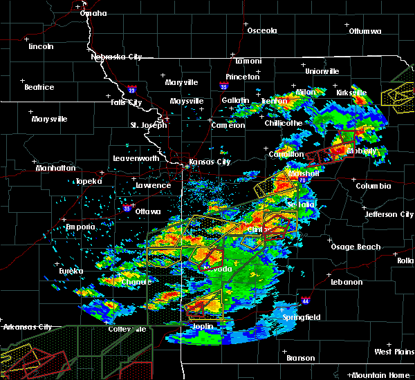 Radar Image for Severe Thunderstorms near Warsaw, MO at 5/22/2019 8:29 PM CDT