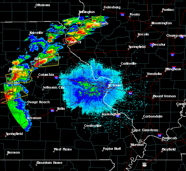 Radar Image for Severe Thunderstorms near Quincy, IL at 5/22/2019 8:51 PM CDT