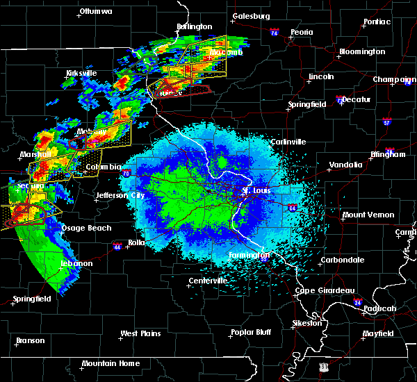 Radar Image for Severe Thunderstorms near Stoutsville, MO at 5/22/2019 9:03 PM CDT