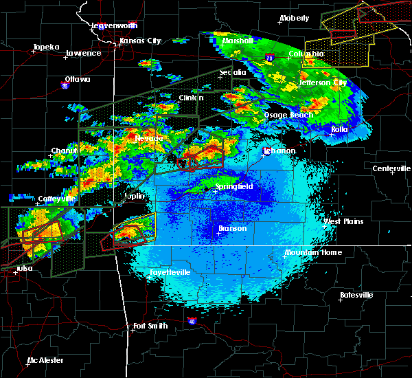 Radar Image for Severe Thunderstorms near Urbana, MO at 5/22/2019 10:33 PM CDT
