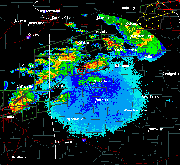 Radar Image for Severe Thunderstorms near Urbana, MO at 5/22/2019 10:46 PM CDT