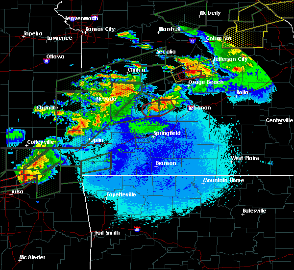 Radar Image for Severe Thunderstorms near Urbana, MO at 5/22/2019 10:57 PM CDT