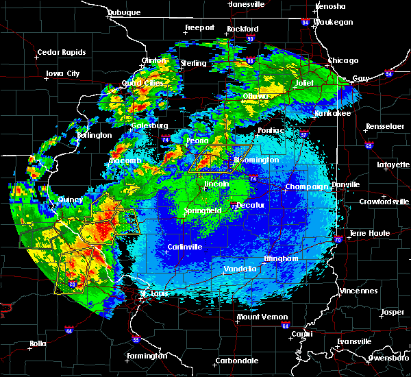Radar Image for Severe Thunderstorms near Bluffs, IL at 5/22/2019 11:30 PM CDT