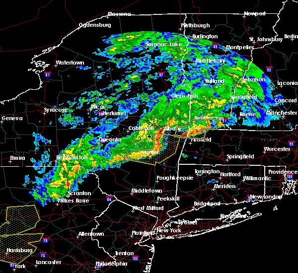 Radar Image for Severe Thunderstorms near Chatham, NY at 6/12/2015 9:37 PM EDT