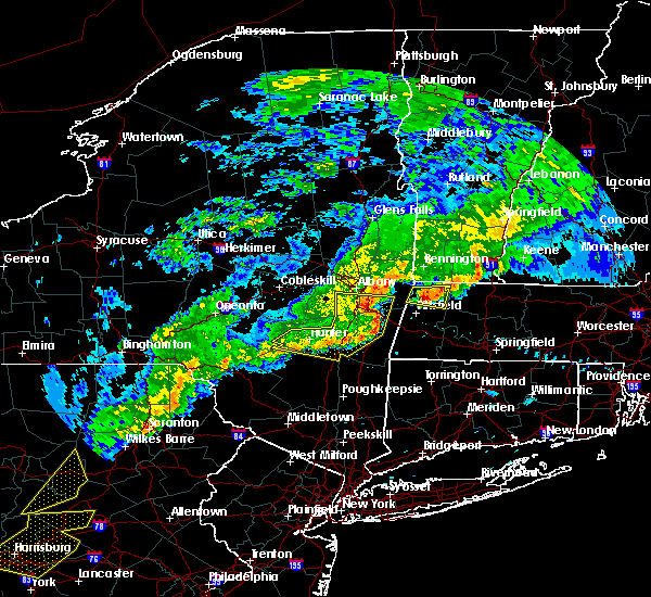 Radar Image for Severe Thunderstorms near Housatonic, MA at 6/12/2015 9:53 PM EDT