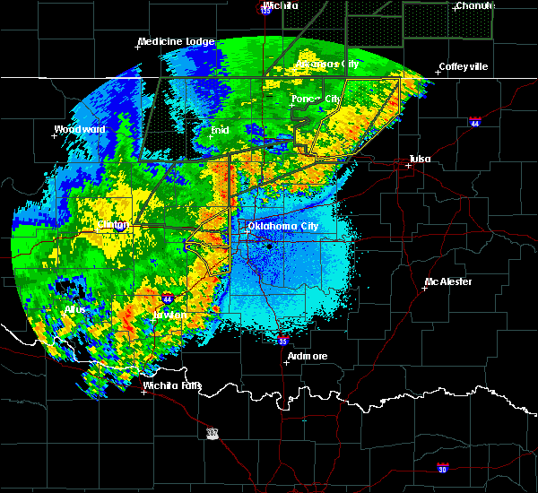 Radar Image for Severe Thunderstorms near Jones, OK at 5/24/2019 9:14 PM CDT
