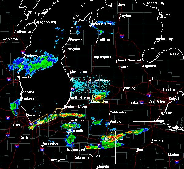 Radar Image for Severe Thunderstorms near Level Park-Oak Park, MI at 6/13/2015 7:07 PM EDT