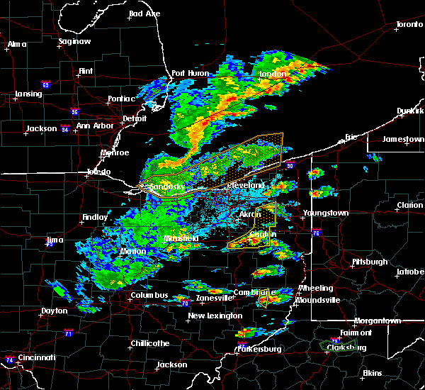 Radar Image for Severe Thunderstorms near Massillon, OH at 5/25/2019 5:19 PM EDT