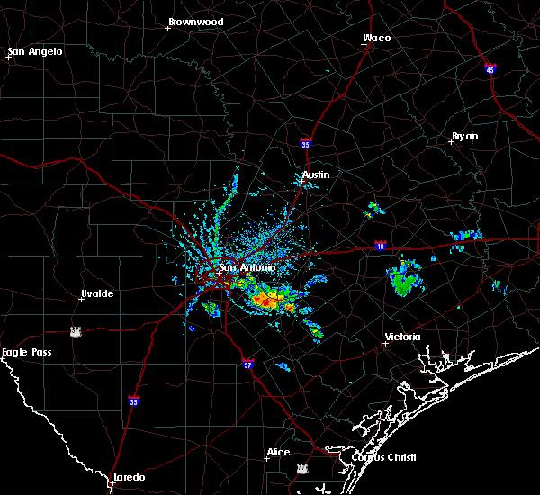 Radar Image for Severe Thunderstorms near La Vernia, TX at 6/13/2015 6:28 PM CDT