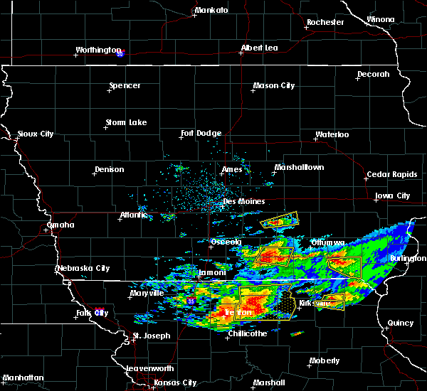 Radar Image for Severe Thunderstorms near Albia, IA at 5/25/2019 7:55 PM CDT