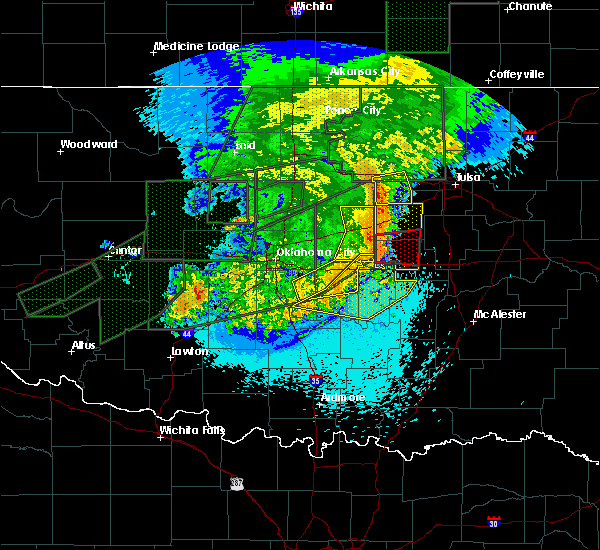 Radar Image for Severe Thunderstorms near Prague, OK at 5/26/2019 12:02 AM CDT