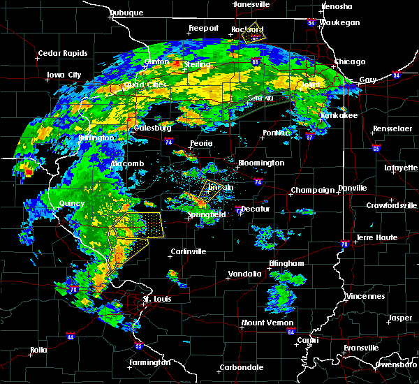 Radar Image for Severe Thunderstorms near Lincoln, IL at 6/13/2015 8:25 PM CDT