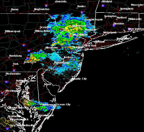 Radar Image for Severe Thunderstorms near Fivepointville, PA at 5/26/2019 5:16 PM EDT