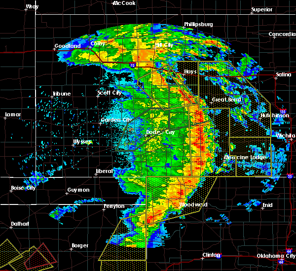 Radar Image for Severe Thunderstorms near Victoria, KS at 5/27/2019 12:03 AM CDT