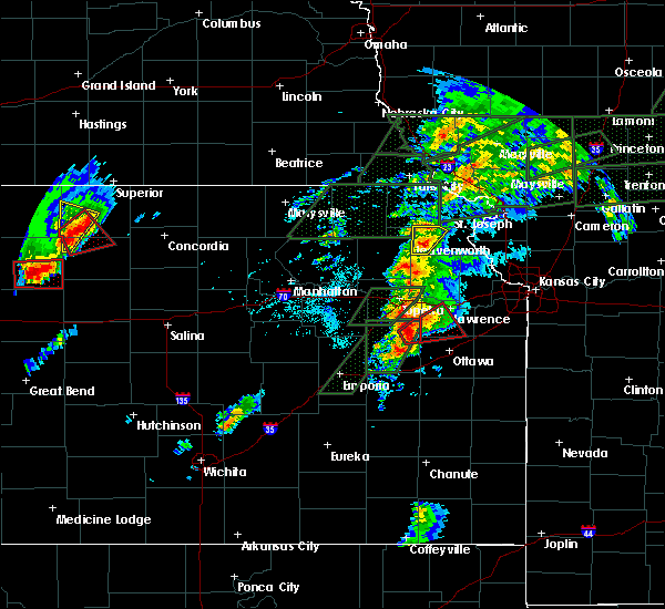 Radar Image for Severe Thunderstorms near Overbrook, KS at 5/28/2019 5:47 PM CDT