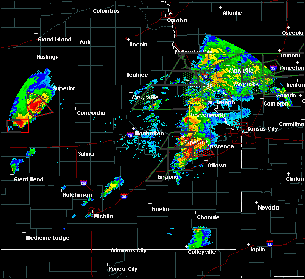 Radar Image for Severe Thunderstorms near Overbrook, KS at 5/28/2019 5:54 PM CDT