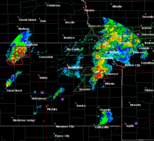 Radar Image for Severe Thunderstorms near Overbrook, KS at 5/28/2019 6:10 PM CDT
