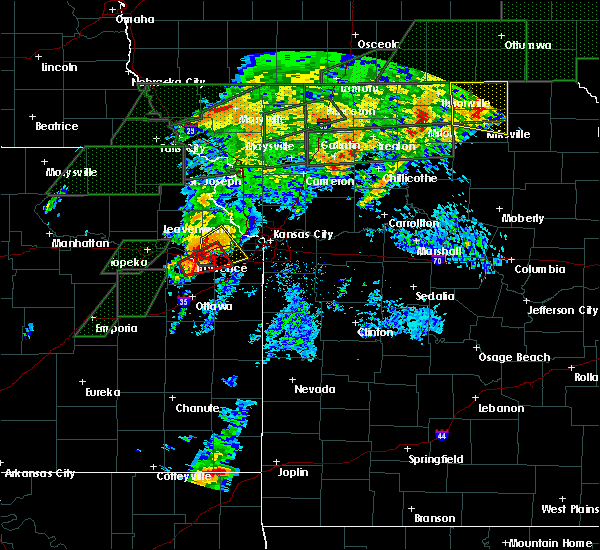 Radar Image for Severe Thunderstorms near Shawnee, KS at 5/28/2019 6:36 PM CDT