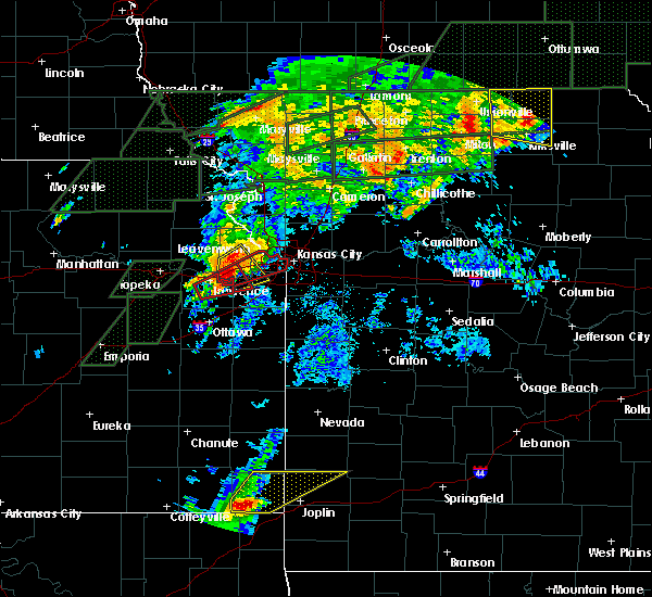 Radar Image for Severe Thunderstorms near Shawnee, KS at 5/28/2019 6:50 PM CDT