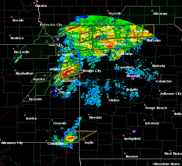 Radar Image for Severe Thunderstorms near North Kansas City, MO at 5/28/2019 6:54 PM CDT