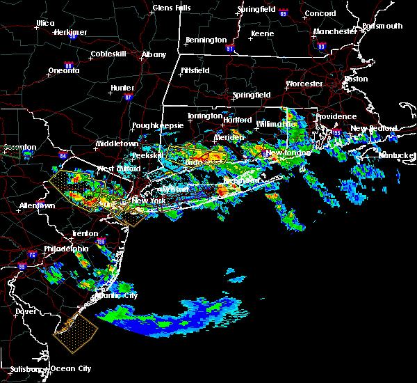 Radar Image for Severe Thunderstorms near Riverside, NY at 5/28/2019 9:39 PM EDT