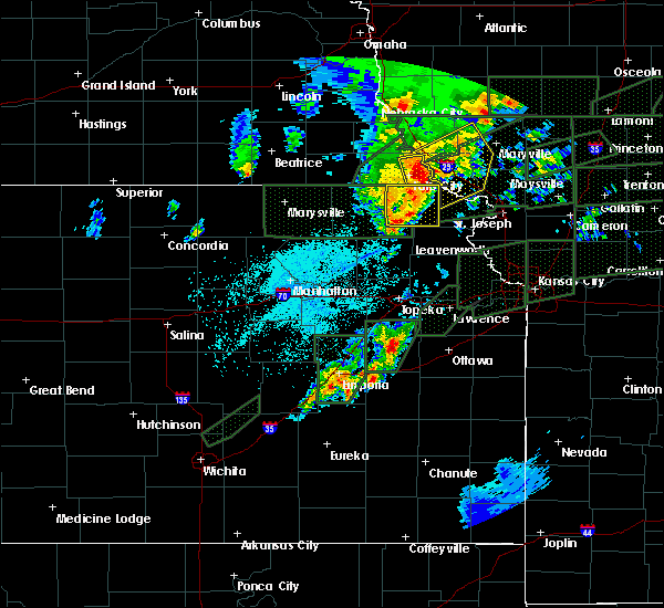 Radar Image for Severe Thunderstorms near Reserve, KS at 5/28/2019 10:05 PM CDT