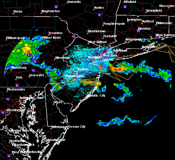Radar Image for Severe Thunderstorms near Browns Mills, NJ at 5/28/2019 11:10 PM EDT