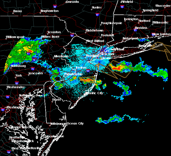 Radar Image for Severe Thunderstorms near Browns Mills, NJ at 5/28/2019 11:21 PM EDT