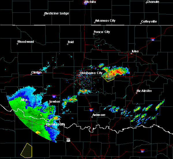 Radar Image for Severe Thunderstorms near Prague, OK at 5/29/2019 8:24 AM CDT