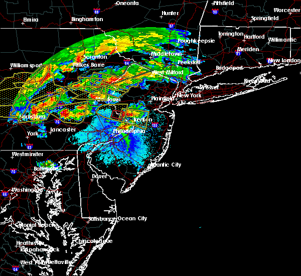 Radar Image for Severe Thunderstorms near Stroudsburg, PA at 5/29/2019 4:18 PM EDT