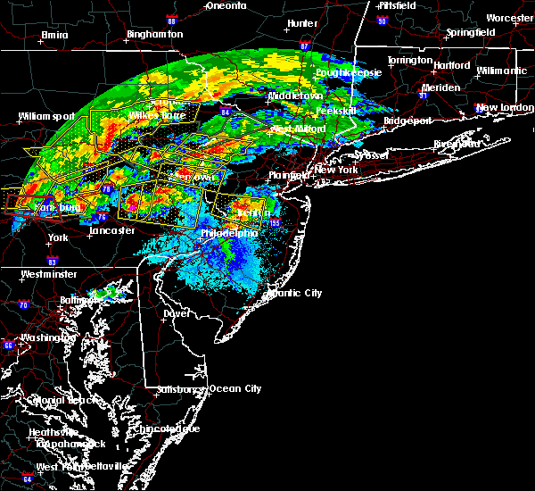 Radar Image for Severe Thunderstorms near Heathcote, NJ at 5/29/2019 4:32 PM EDT