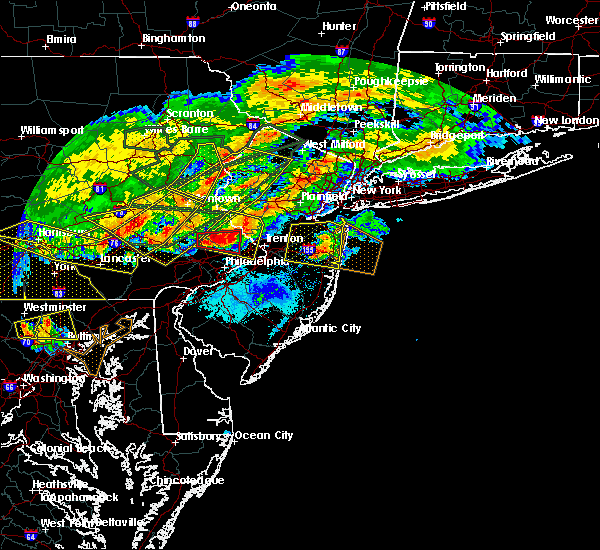 Radar Image for Severe Thunderstorms near Fullerton, PA at 5/29/2019 5:26 PM EDT