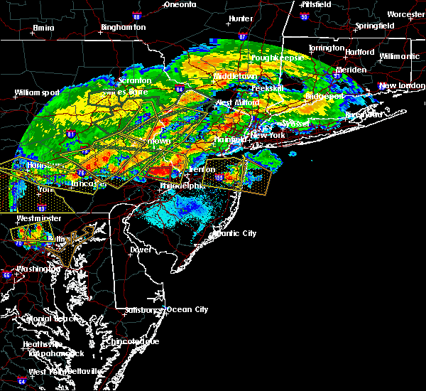 Radar Image for Severe Thunderstorms near Village Shires, PA at 5/29/2019 5:28 PM EDT